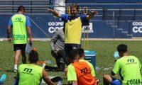 COBÁN, ALTA VERAPAZ - Fabricio Benítez captado en el entrenamiento realizado en el estadio Verapaz. Foto Prensa Libre: Eduardo Sam Chun