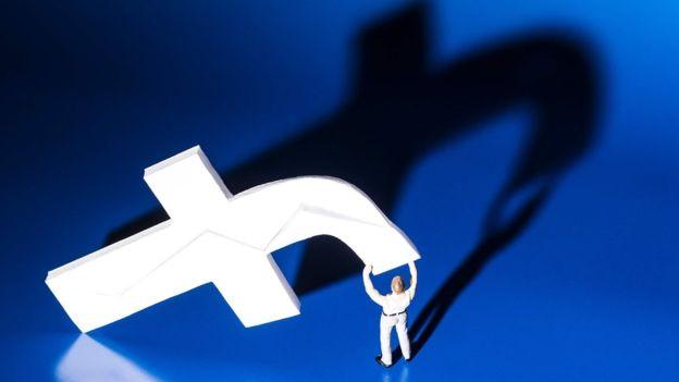 Facebook y otros gigantes de la tecnología se nutren de nuestros datos (AFP/GETTY IMAGES)