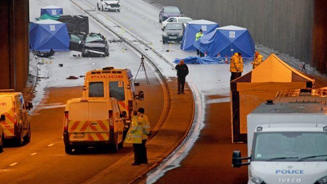 A finales de 2017, seis personas murieron en un accidente en la localidad británica de Birmingham y tras el que varios ciudadanos presentes en la zona tomaron fotos de los fallecidos. (GETTY IMAGES)