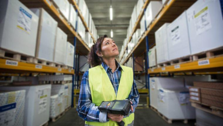 Los días de inventario son uno de los indicadores más críticos en la gestión de una empresa. (Foto Prensa Libre: Shutterstock).