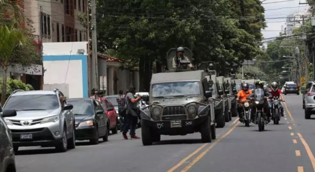 """EE. UU. suspende ayuda militar a Guatemala por el """"uso incorrecto"""" de jeeps J8"""