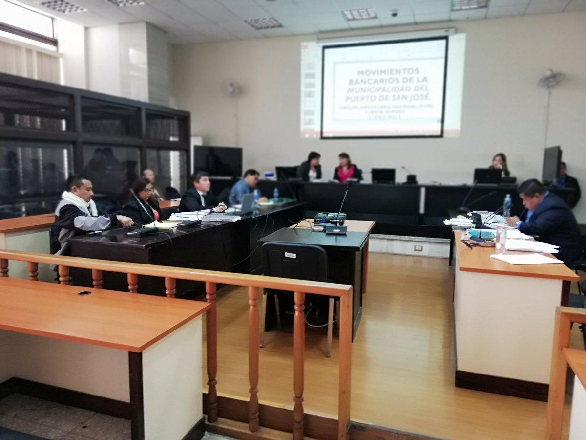El debate contra el exalcalde del Puerto San José, Jorge Rizzo, se realiza en el Tribunal de Mayor Riesgo B. (Foto Prensa Libre: Esbin García)