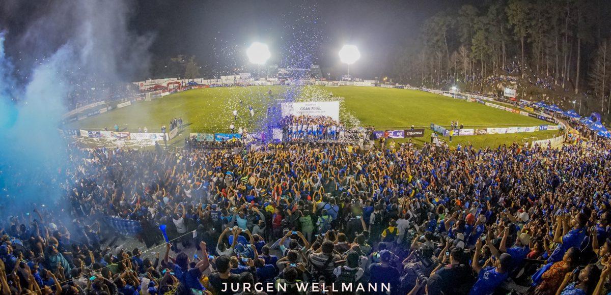 El grito de 8 mil cobaneros en el estadio Verapaz