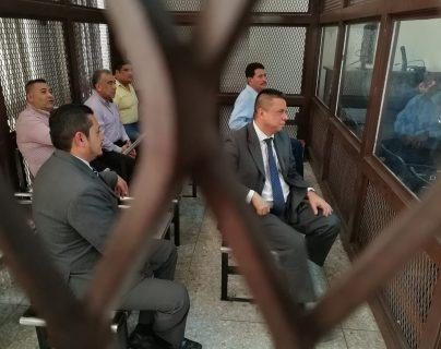 Los condenados escucharon el fallo en la carceleta del Tribunal de Mayor Riesgo A. (Foto Prensa Libre: Érick Ávila)