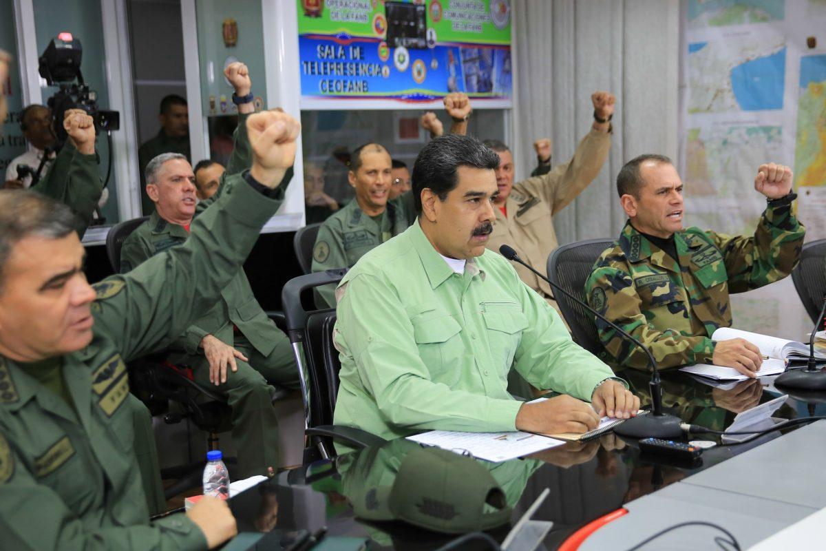 Nicolás Maduro retiene a equipo de periodistas, entre ellos Jorge Ramos, al enfurecer por entrevista