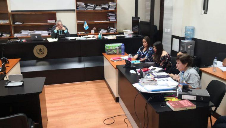 En el caso Manipulación de Justicia que se desarrolla en el Juzgado B, declaró Rica Gloria Gramajo Mazariegos. (Foto Prensa Libre: Sucely Contreras/Guatevisión)