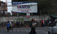 Vallas publicitarias del Partido Vamos, ubicadas en la entrada al s—tano de Torre de Tribunales, zona 1.                                                                                             Fotograf'a Esbin Garcia 01-02- 2019.