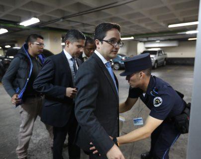 """Jueza escuchará dentro de un mes a los fiscales que les ordenó no """"intimidar"""" a Sandra Torres"""