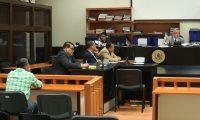 Los procesados Julio Rolando Sandoval Cano y Samuel Aceituno Ju‡rez,  en audiencia en el juzgado de Mayor Riesgo B, piden  revisi—n en el caso TCQ.   Fotograf'a Esbin Garcia 07-02-2019