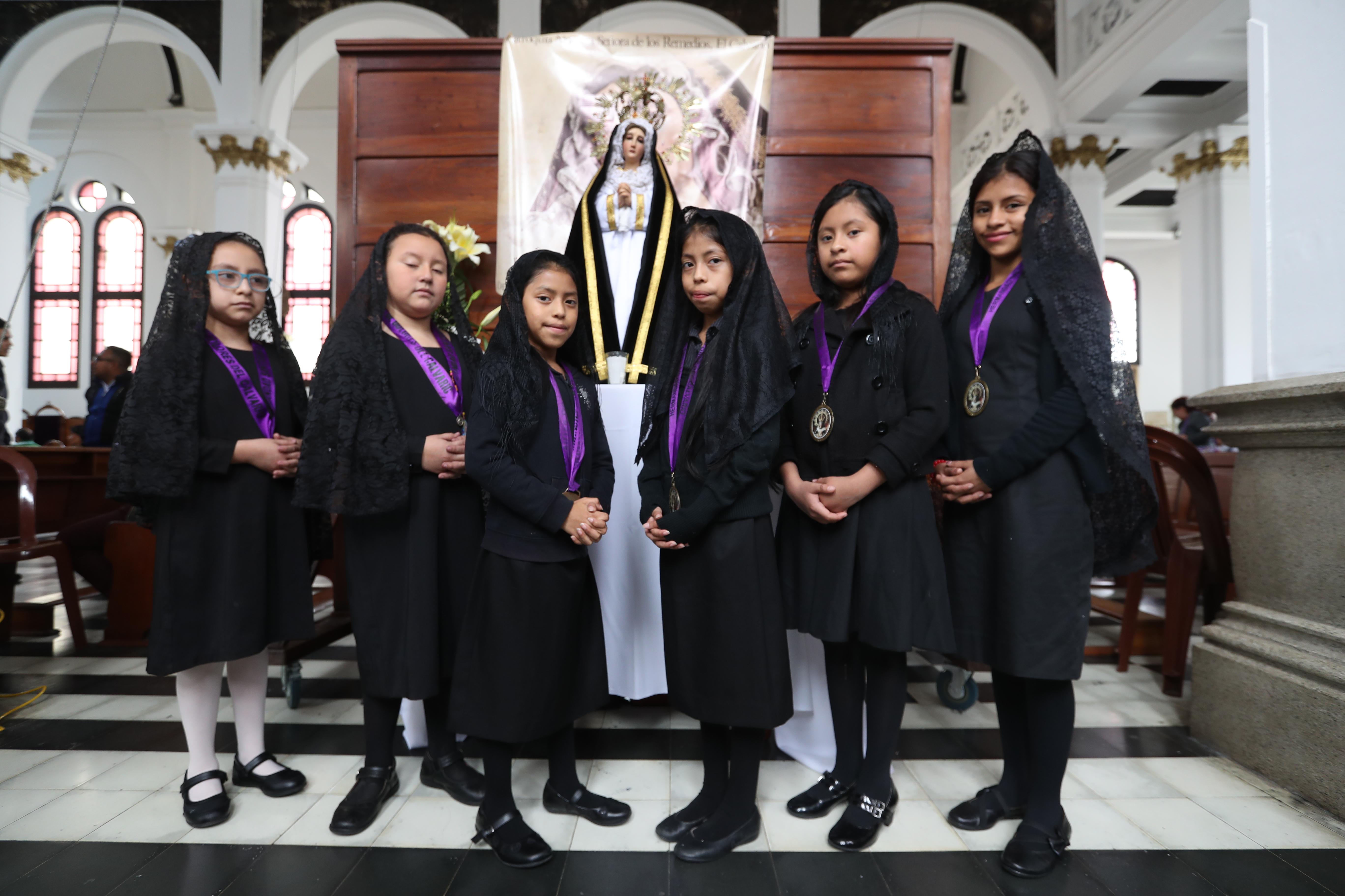 Este es el primer grupo de las Niñas Aspirantes de la Reina de la Paz, indicó el Diácono Cristian López de la iglesia El Calvario.