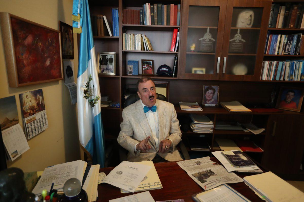 Fernando Linares-Beltranena queda fuera de listado de candidatos a diputados por el PAN