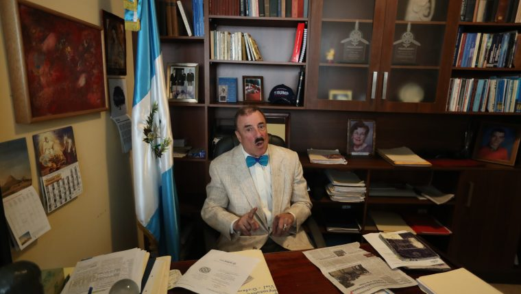Fernando Linares-Beltranena, diputado de la bancada PAN. (Foto Prensa Libre: Esbin García)