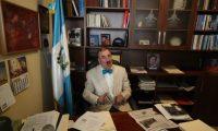 Fernando Linares Beltranena, diputado del Partido PAN, en declaraciones a la prensa sobre el mandato a la CICIG.                                                                                             Fotograf'a Esbin Garcia 11-02- 2019.