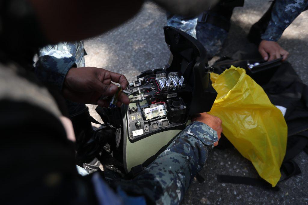 Polic'a antiexplosivos, una de las profesiones m‡s peligrosas. Foto Prensa Libre: Erick Avila