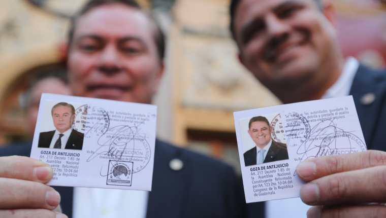 Javier Castillo, Mario Estrada, recibieron sus credenciales el 15 de febrero. Ahora, esa candidatura queda revocada. (Foto Prensa Libre: Erick Avila)