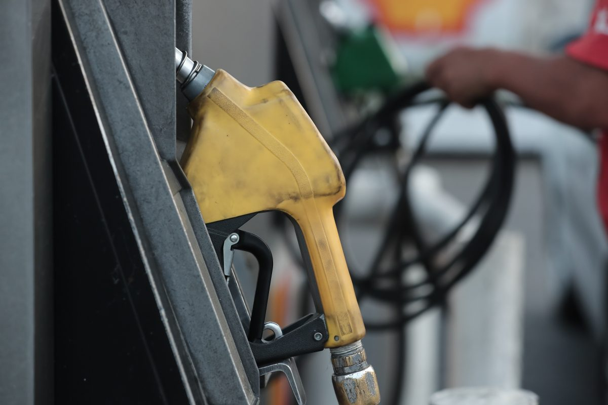 Tercer incremento consecutivo en precios de las gasolinas