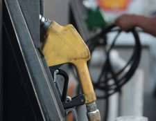Por tercera semana consecutiva los precios de los combustibles registraron movimiento alcista en el mercado. (Foto Prensa Libre: Hemeroteca)