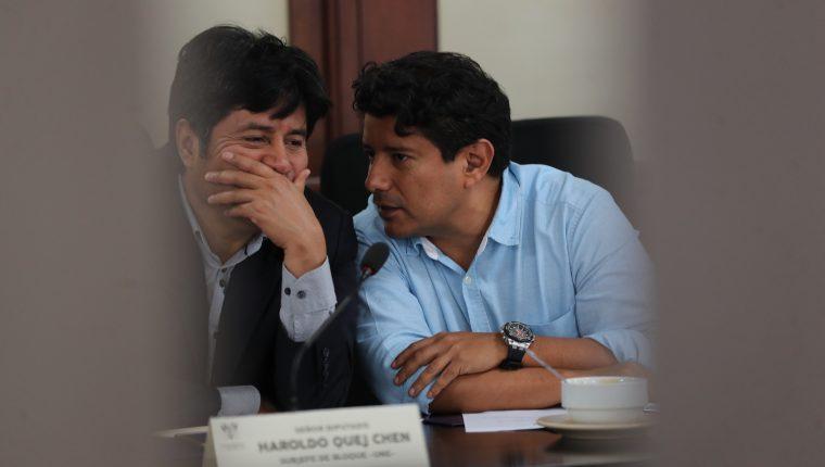 El diputado Haroldo Quej -izquierda- está señalado en el caso Subordinación del Organismo Legislativo al Ejecutivo. (Foto Prensa Libre: Hemeroteca PL)