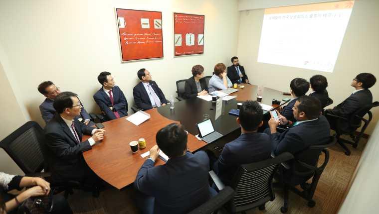 Una delegación de empresarios de Corea del Sur estuvo explorando hacer negocios en Guatemala. (Foto Prensa Libre: Esbín García)