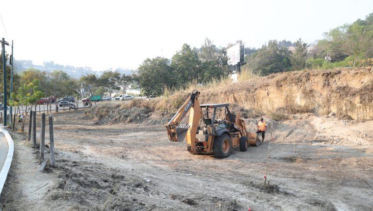 Municipalidad de Guatemala trabaja para hacer un puente a desnivel en la zona 16, en el lugar conocido como cuatro caminos.   Erick Avila.            20/02/2019