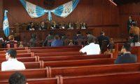 Ante el tribunal constitucional comparecieron los amparistas, Acci—n Ciudadana, PDH  y el abogado Marco Vinicio Mej'a; el MP y la Cicig para exponer su postura en torno al amparo definitivo que tiene que emitir la Corte de Constitucionalidad (CC) sobre  suspender en definitiva la decisi—n del Gobierno de dar por terminado el mandato que dio vida a la Comisi—n Internacional Contra la Impunidad en Guatemala (CICIG).                                                                                              Fotograf'a Esbin Garcia 21-02- 2019.
