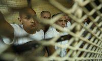 Internos del anexo Las Gaviotas son trasladados a Tribunales luego de intentar amotinarse .  Los reclusos permanecen en la c‡rcel del s—tano .                                                                                            Fotograf'a Esbin Garcia 27-02- 2019.