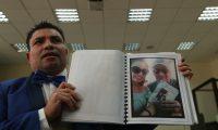 Marvin Montiel, alias el Taquero, mostró fotos de Alejandra Reyes, expareja del reo Byron Lima, con Rogelio Ramírez Cartion,  ahora exfuncionario de la Cicig. (Foto Prensa Libre: Hemeroteca PL)