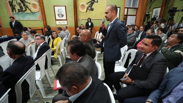 Fiscales de partidos políticos expresan sus dudas en cuanto a que Registro de Ciudadanos avale transfuguismo (Foto Prensa Libre: Esbin García)