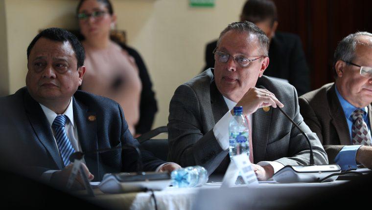 Ministro de Salud Carlos Soto fue señalado por a Fiscalía contra la Corrupción. (Foto Prensa Libre: Hemeroteca PL)