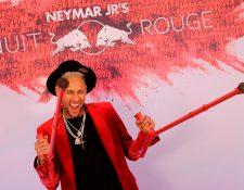 Neymar celebró su cumpleaños 27 con sus compañeros. (Foto Prensa Libre: AFP)