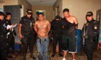 Supuestos pandilleros detenidos en un operativo policial. (Foto Prensa Libre: Hemeroteca PL)