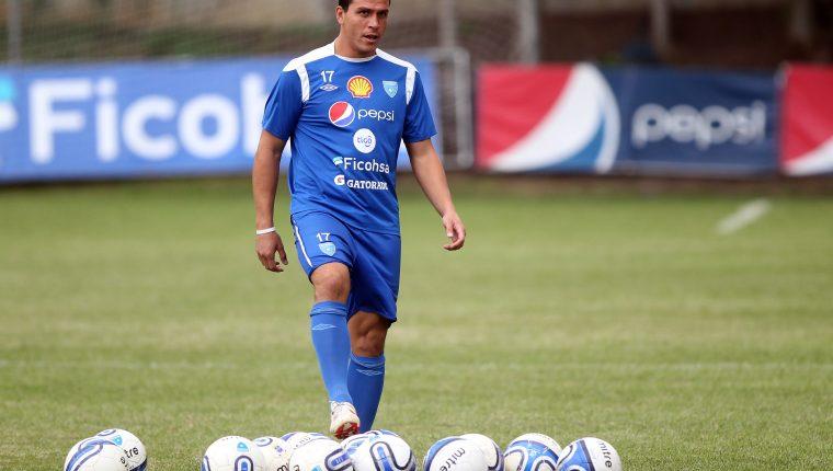 Dwight Pezzarossi, delantero de la Sele, en el entrenamiento de hoy 10-10-2012, en el Proyecto Goal. Foto de Francisco Sánchez.
