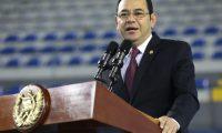 El presidente Jimmy Morales asiste a la graduación de la quinta promoción del Padep. (Foto Prensa Libre: Gobierno de Guatemala)