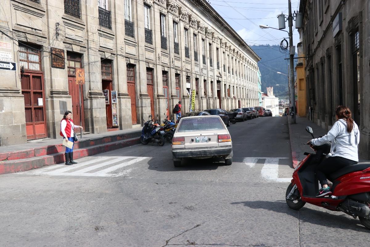 Mañana la 6a calle, zona 1 de Xela, será peatonal de 8 a 15 horas. (Foto Prensa Libre: María Longo)