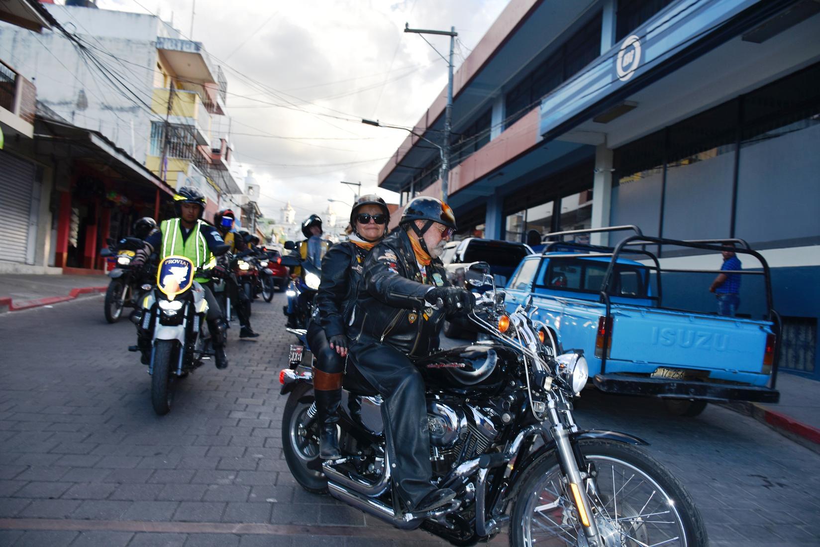 Caravana de motoristas llega a Esquipulas. (Foto Prensa LIbre: Mario Morales)