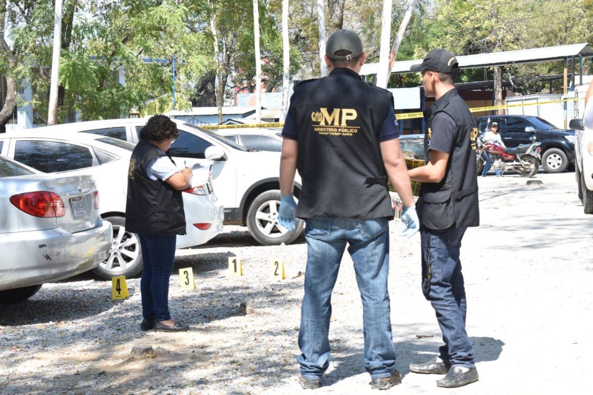 Balean a una pediatra antes de ingresar al Hospital Regional de Zacapa y capturan a un sospechoso