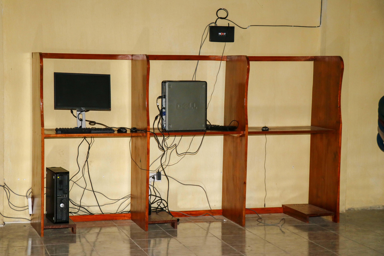 Área de donde fueron robadas las dos computadoras en Retalhuleu. (Foto Prensa Libre: Rolando Miranda).