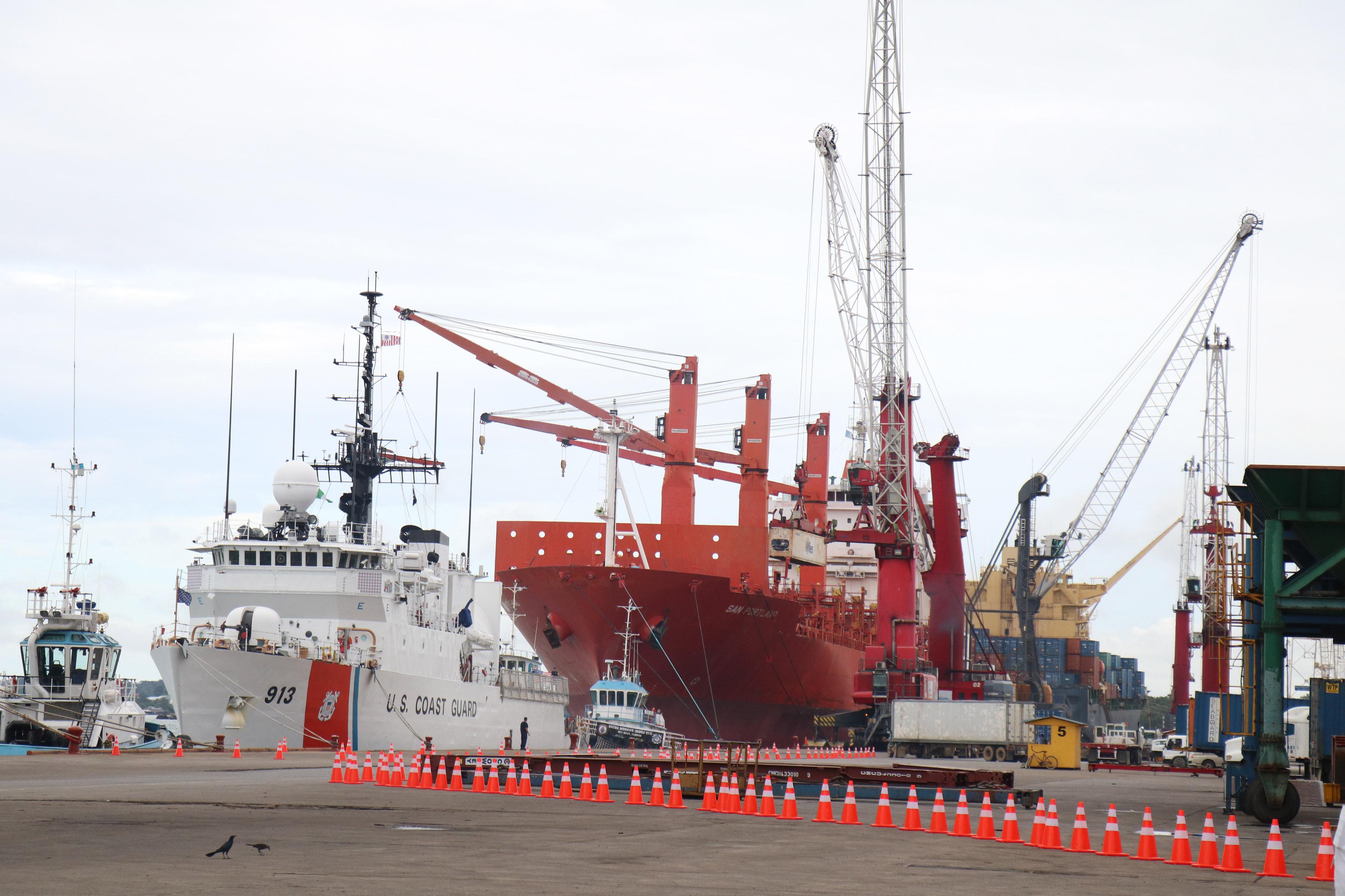 La Empornac fue la terminal que registró una caída en el movimiento de carga de 8%, según las estadísticas de la Comisión Portuaria Nacional. El sistema transportó 26.9 millones de toneladas. (Foto Prensa Libre: Hemeroteca)