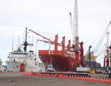 Los usuarios de la Empornac mantienen incertidumbre por las operaciones en el puerto luego de la destitución del presidente de la junta directiva, los rayos X y el contrato de las grúas que finalizará en los primeros días de septiembre. (Foto Prensa Libre: Hemeroteca)