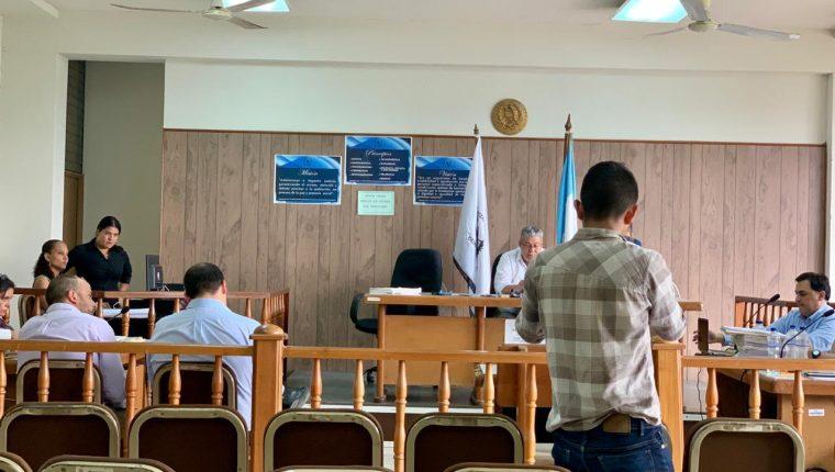 Juicio por la muerte de tres estudiantes universitarios continúa en Izabal. (Foto Prensa Libre: Dony Stewart)