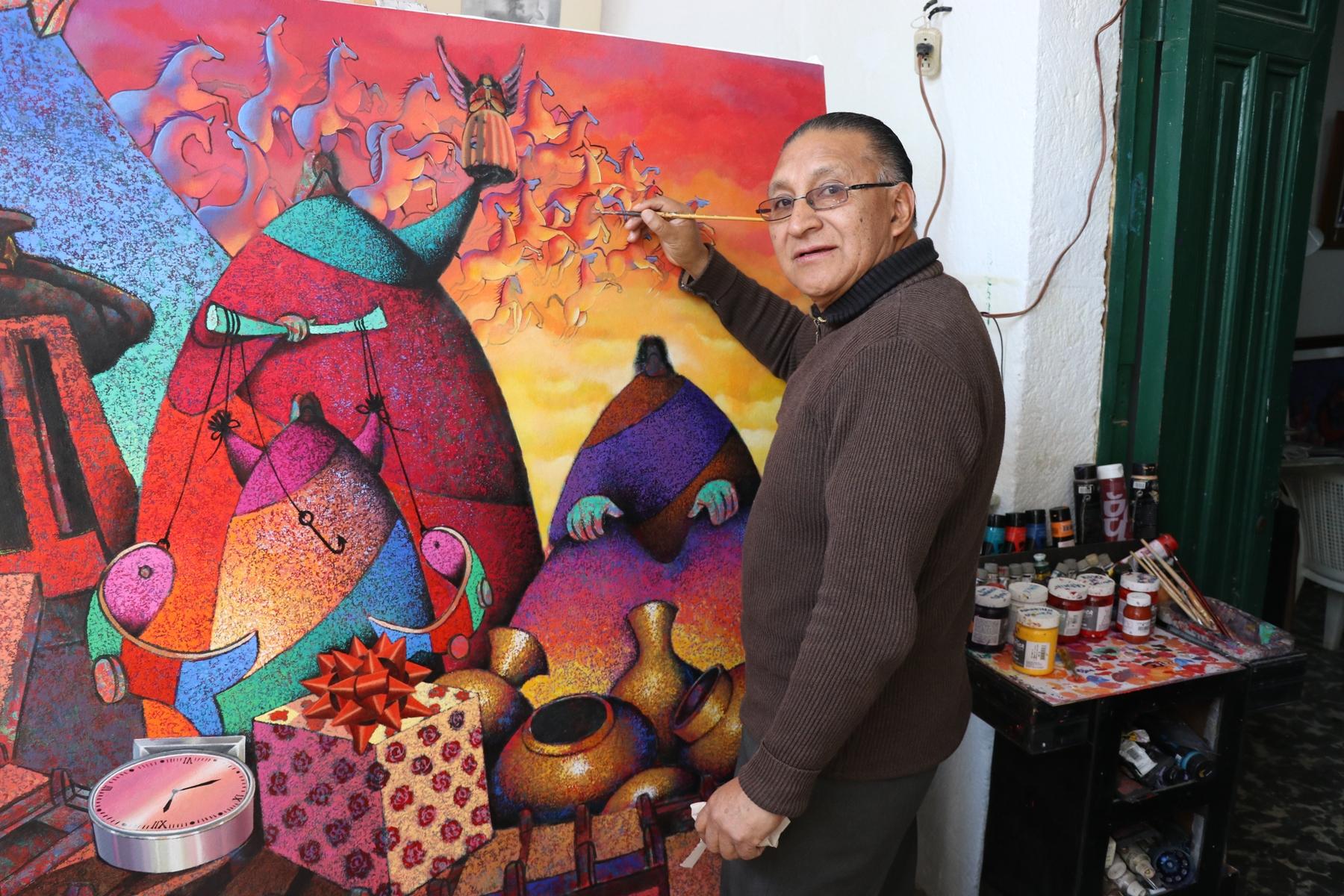 El pintor quetzalteco prepara una obra especial para el día de su homenaje. (Foto Prensa Libre: María Longo)