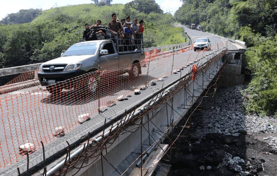 Debido a reparaciones en el puente Barranca Honda, en la Ruta Nacional 14, el paso por ese lugar será restringido el 12 de febrero. (Foto Prensa Libre: Carlos Paredes.)