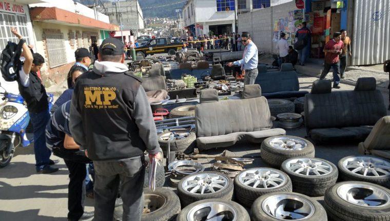 La banda de La Jefa robaba carros y en algunos casos los desmantelaba para vender a hueseras o talleres.  (Foto Prensa Libre: Hemeroteca PL)