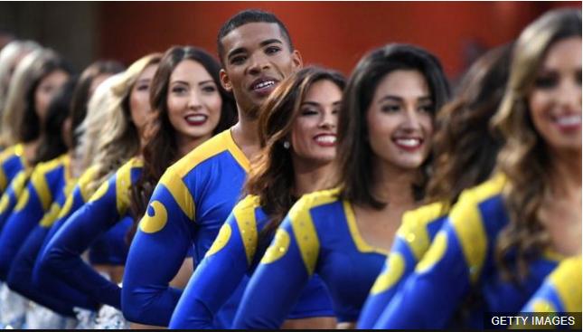 Es la primera vez que durante el Super Bowl participan porristas masculinos. GETTY IMAGES