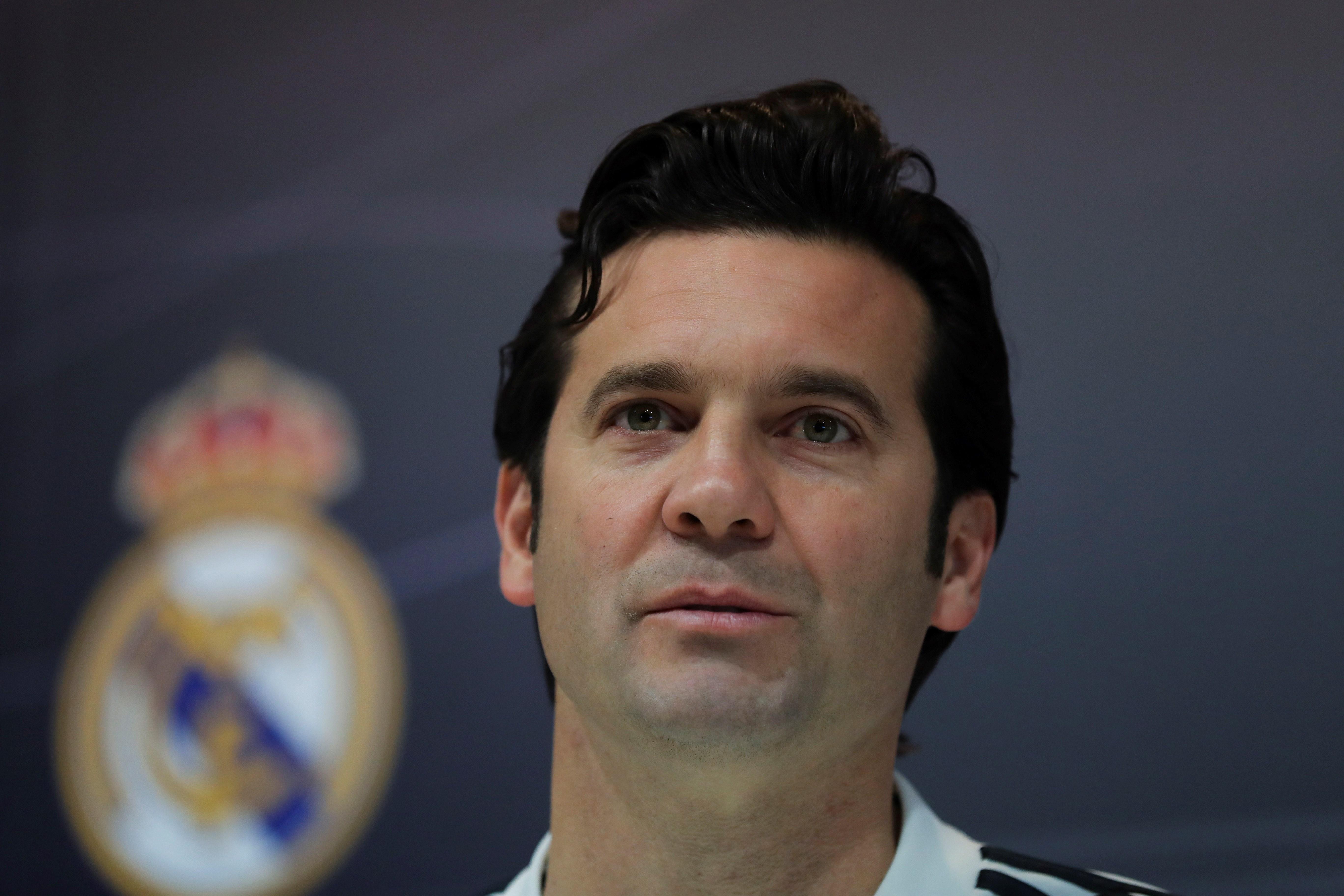 Santiago Solari, entrenador del Real Madrid, habló del buen momento de Karim Benzema y de los exigentes compromisos que afrontará en las próximas fechas (Foto Prensa Libre: EFE)