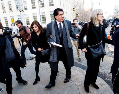 Brayan Jiménez (c) sale del Tribunal Federal de los Estados Unidos este martes luego de una audiencia de sentencia en Brooklyn. (Foto Prensa Libre: EFE)