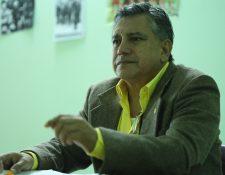 Sergio Reyes, exdirector del área de salud de Suchitepéquez, señala incumplimiento legal del ministro Carlos Soto. (Foto Prensa Libre: Esbin García)