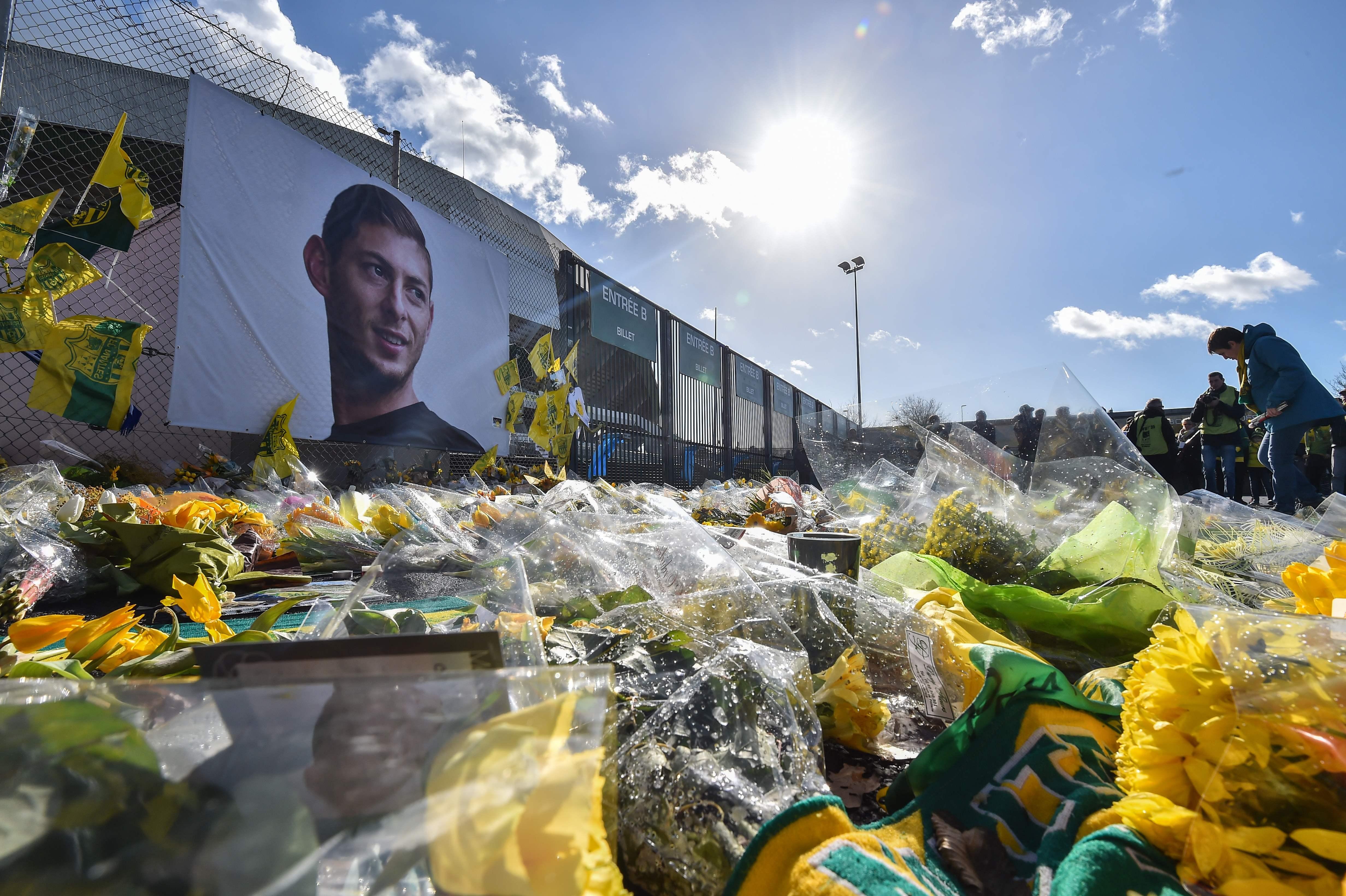 Este martes se dieron a conocer detalles del velatorio de Emiliano Sala. (Foto Prensa Libre: AFP)