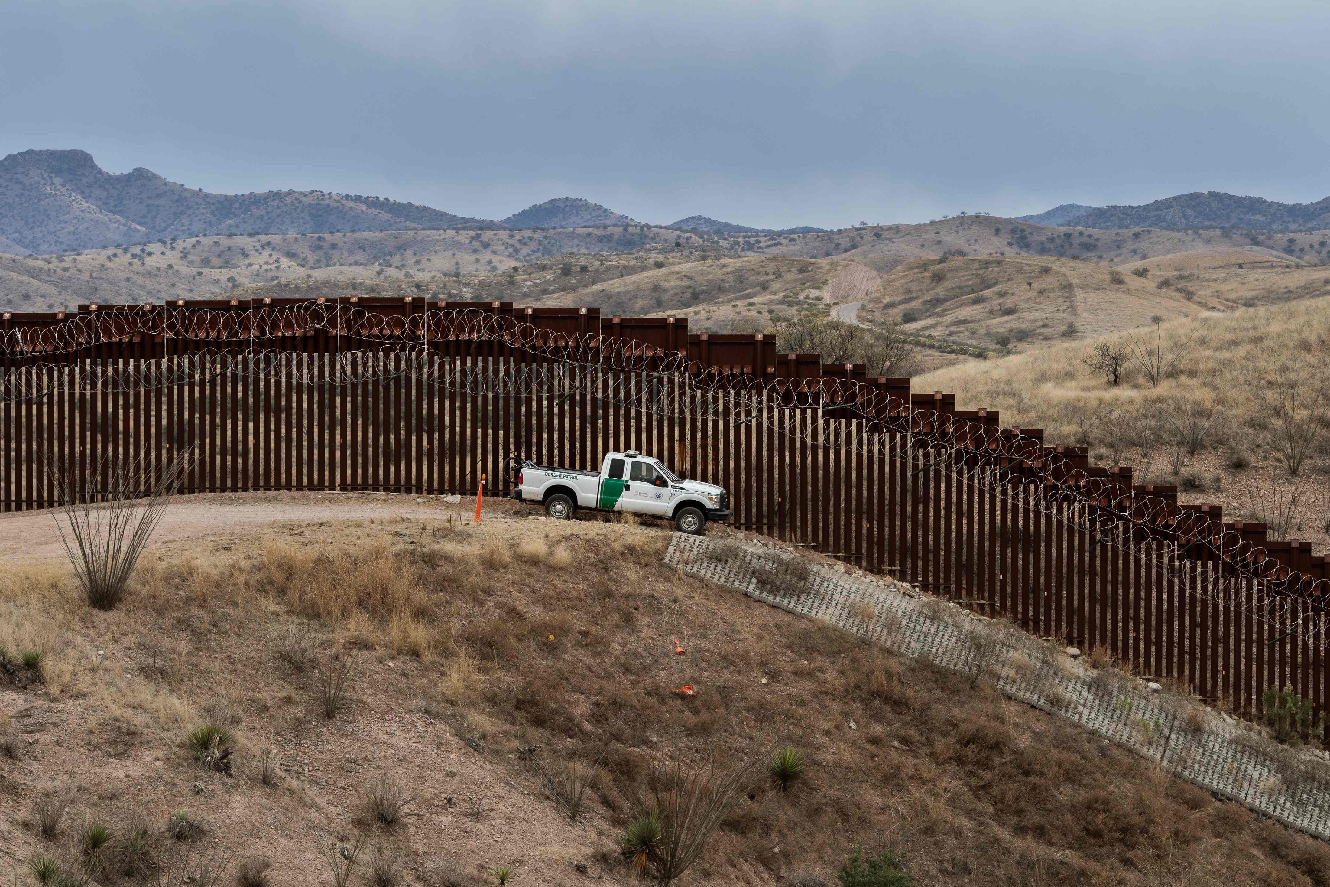 El presupuesto incluye US$1 mil 375 millones para el reforzamiento del muro. (Foto Prensa Libre: AFP)
