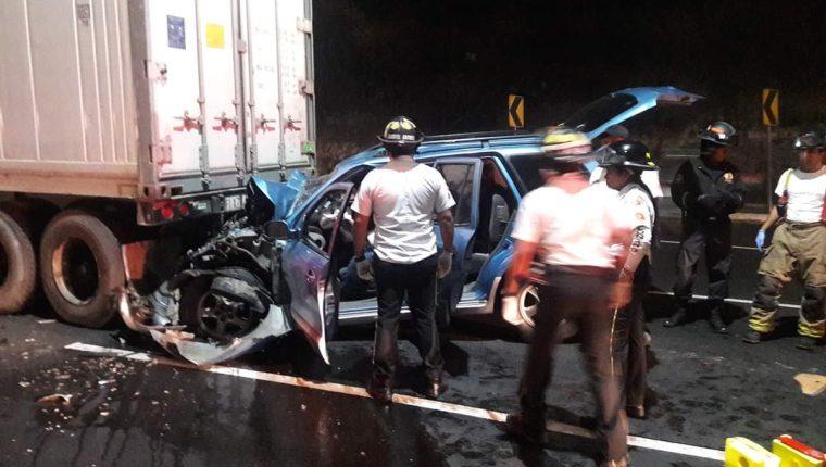 Dentro de la camioneta quedó el cuerpo del conductor. (Foto:  @PampichiNews)